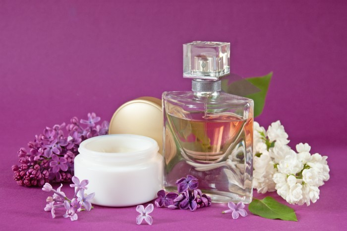 Leylak Yağı Faydaları Doğal Oda Parfümü