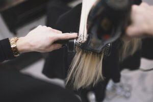 Doğumdan Sonra Saç Dökülmesi Nasıl Önlenir?