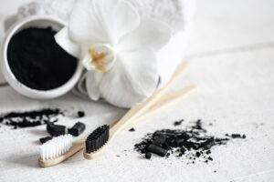 Sararan Dişler Doğal Yollarla Nasıl Beyazlatılır? Anında Diş Beyazlatma Yöntemleri