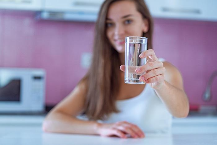 Uykudan Önce Su İçmek Neden Önemlidir? Yatmadan Önce Su İçmek Kalp Krizini Önler Mi?