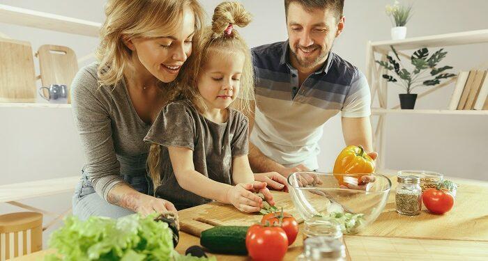 Çocuklarda Sağlıklı Beslenme, Sağlıksız Yiyecekleri Çocuklar İçin Sağlıklı Hale Nasıl Getirebilirsiniz?