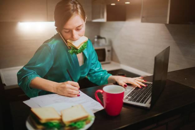 Cok-Yemek-Yemeyi-Nasil-Engellersiniz. Daha Dikkatli Yiyin